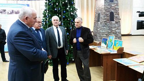 Делегация из Липецкой области привезла новогодние подарки для чеченских детей сирот